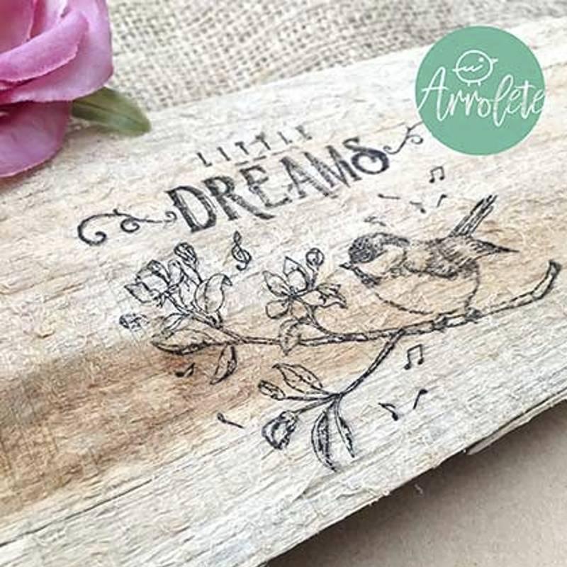 Sello Little Dreams...